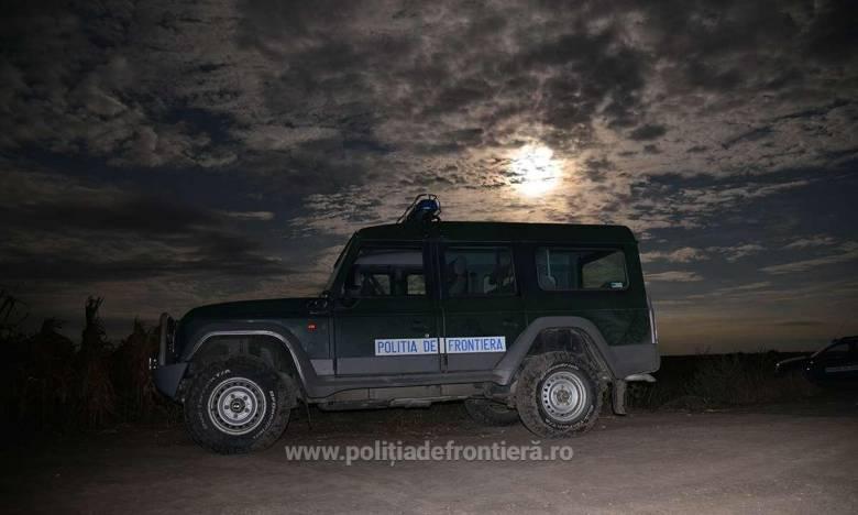 A Nyugat-Balkánon aktív embercsempészeket állítottak elő Romániában