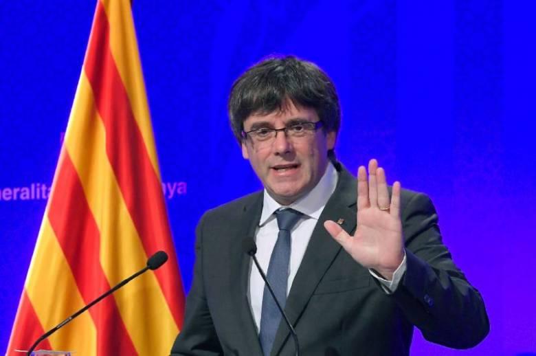 Lázadás és közpénzek hűtlen kezelése miatt emeltek vádat Puigdemont és társai ellen