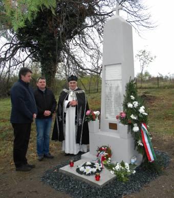 Felújították a világháborús magyar emlékművet az Arad megyei Dezsőházán