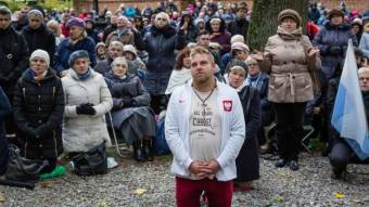 Egymillió hívő alakított élő imaláncot Lengyelország határain