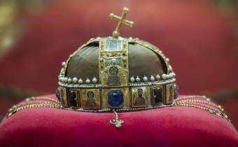 Nyílt nap az Országházban: negyven éve tért haza a Szent Korona