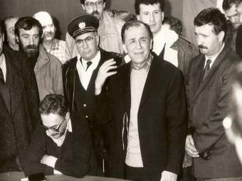 Visszautalta a katonai ügyészségnek a '89-es forradalom ügyének vádiratát a legfelsőbb bíróság