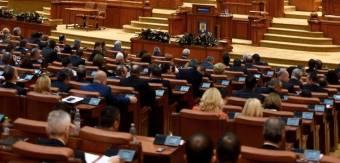 Nagypéntek is munkaszüneti nap lesz, megszavazta a képviselőház