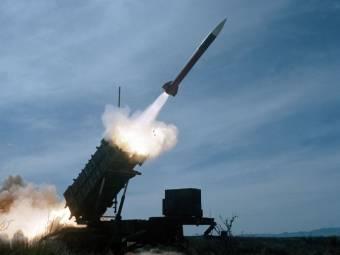 A Romaero hadiipari vállalattal kötött megállapodást a Patriot rakétavédelmi rendszert gyártó amerikai Raytheon