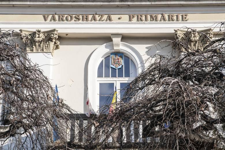 Nem virtuálisan ült össze a csíkszeredai önkormányzat, megszavazták a pénzt a lélegeztetőgépek vásárlására