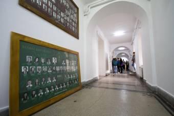 Papíron negyedszerre költöznek a diákok – adminisztratív hercehurca is nehezíti a vásárhelyi katolikus iskola újjászervezését