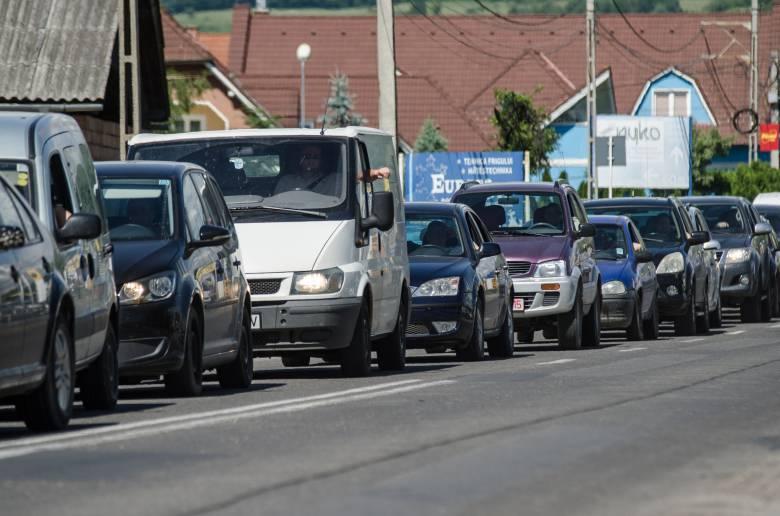 Megállíthatatlannak tűnő mértékben növekszik a gépkocsik száma Sepsiszentgyörgyön