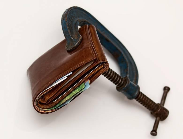 Augusztustól magánszemélyek is kérhetik fizetésképtelenné nyilvánításukat