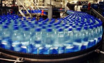Nagyobb arányú részesedést kérnek az ásványvíz-palackozásból a székelyek