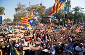 Magyar uniós tisztviselő adott tanácsot a katalán szakadároknak?