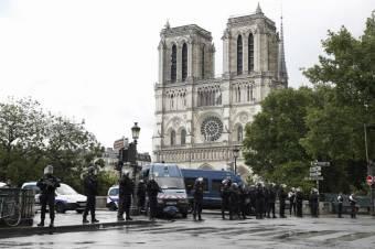 Nagylelkű felajánlások a Notre-Dame helyreállítására