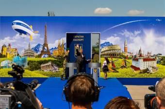 """Porosenko: a vízummentesség lerombolja az Ukrajna és EU közötti """"papírfüggönyt"""""""
