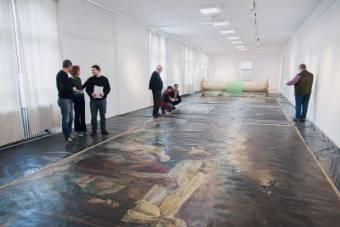 Kiállítják Aradon Feszty Árpád triptichonját – nemsokára újra láthatja a közönség a Krisztus temetése című monumentális alkotást