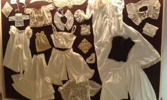 Elegáns tárlat: a 19. század divatja a brassói bástyában