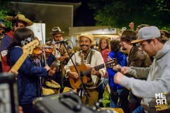 Változatos talpalávalóval, hazai és külföldi fellépőkkel készülnek Mérán