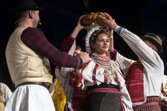 A csángó népcsoportok mindegyike képviselteti magát a budapesti csángó bálon