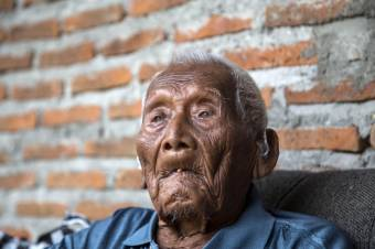 Erős dohányos volt a világ legidősebb, Indonéziában meghalt embere