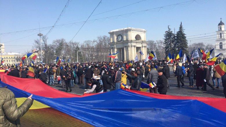 Elfogadta a nagy román egyesülés útitervét a Chișinăuban rendezett centenáriumi nagygyűlés