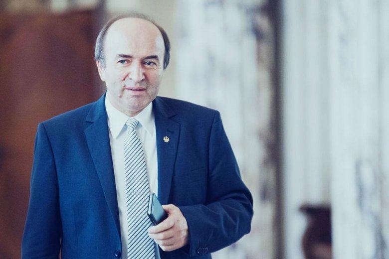 Hárítja a felelősséget és tájékozatlansággal vádolja az államfőt a román igazságügy-miniszter