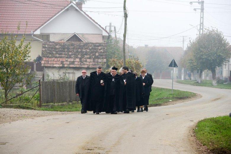 Átszervezéssel ellensúlyozzák az egyre súlyosbodó lelkészhiányt a református egyházban
