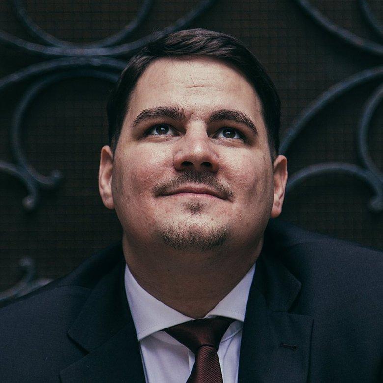 Az SZNT megerősítette Dabis Attila külügyi megbízotti státusát