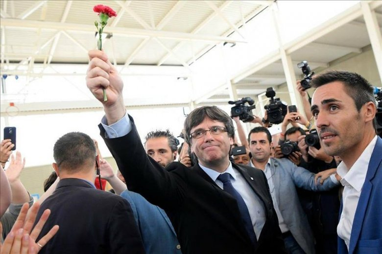 Puigdemont kiadatási őrizetbe vételét kezdeményezte egy németországi tartomány főügyészsége