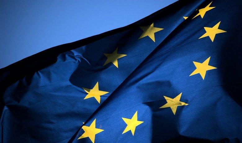 Felmérés: a jövőkép hiánya és a politikai válság is fokozza az EU-val szembeni szkepticizmust Romániában