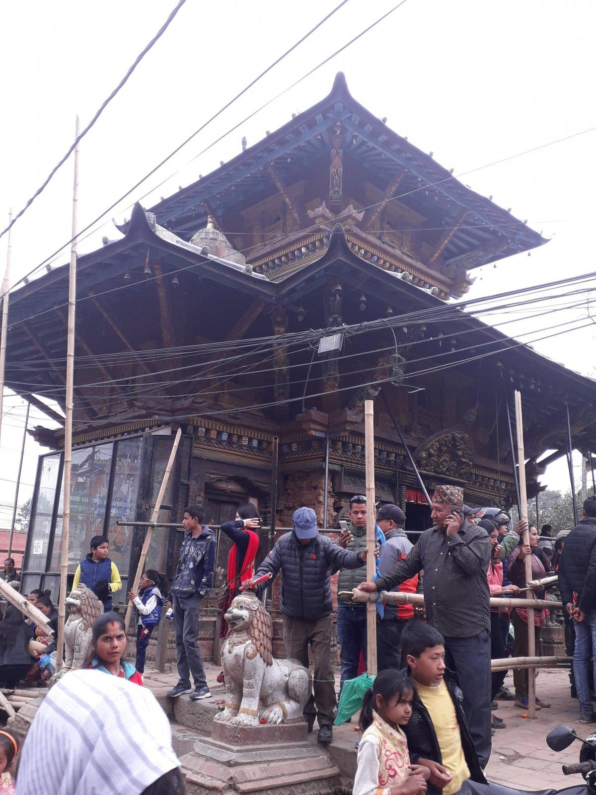 Katmandu óvárosa, a mindig zsúfolt Durbar tér •  Fotó: Kiss Judit