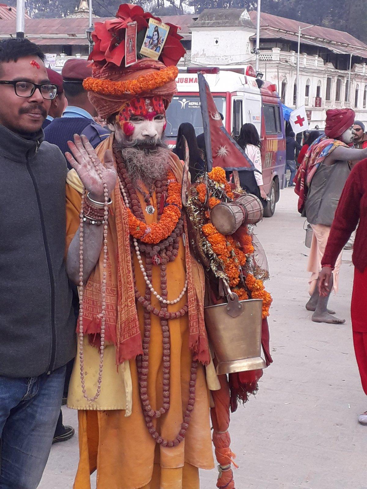 Siva isten ünnepét február 14-én tartják Katmanduban a Pashupatinath templomegyüttesnél •  Fotó: Kiss Judit