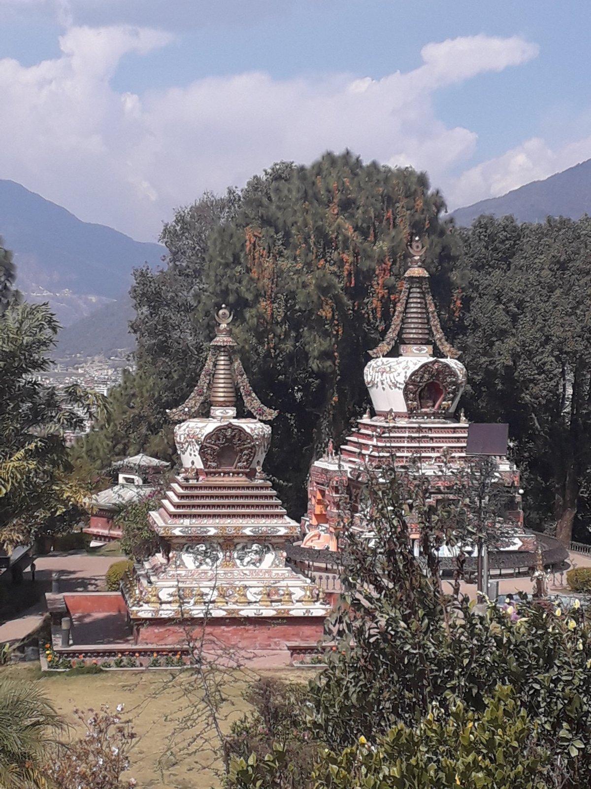 Katmandu külvárosában található a Kopan kolostor, amelynek kertje harmóniát és békét sugároz •  Fotó: Kiss Judit