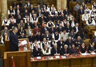 """Vallásszabadság: a 450 éves tordai """"ajándékról"""" és a türelem határairól az Országházban tartott konferencián"""