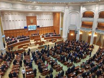 Bukaresti parlament: az újraegyesítés a moldovaiakon múlik – Lehurrogták az RMDSZ-t