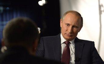 Putyin tagadja, hogy övé lenne a titkos tengerparti uradalom és a tüntetőket hibáztatja