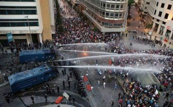 Augusztus 10-e ügy: nem indítanak eljárást a tüntetőket bántalmazó csendőrök ellen, tiltakoznak a civilek