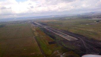 Valósággá válhatnak a brassói reptérálmok: megnyílt a munkatelep a vidombáki légikikötő helyszínén