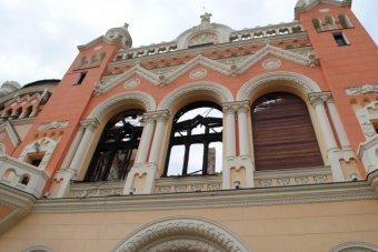 Nagyvárad átveszi a leégett palotát – kulturális központot létesít az önkormányzat az egyházi ingatlanban