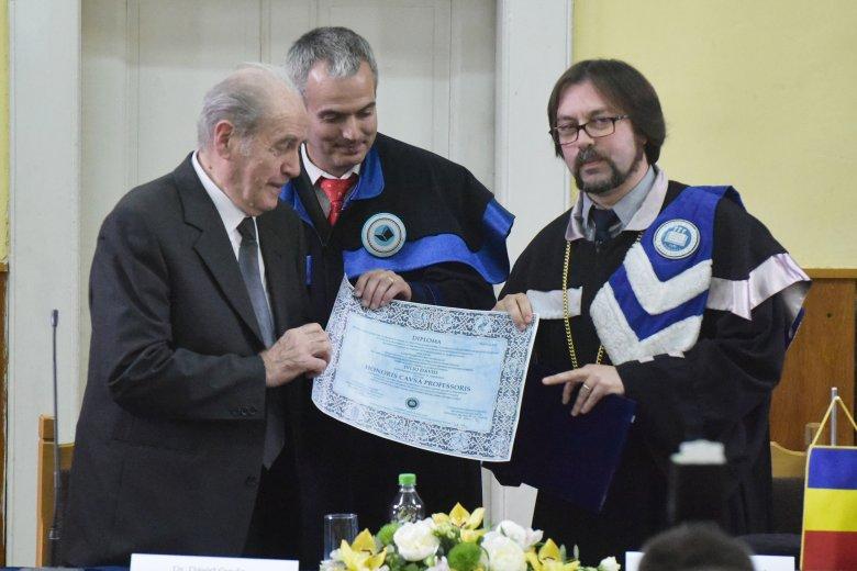 Megkövette Dávid Gyulát a kolozsvári Babeș-Bolyai Tudományegyetem vezetősége