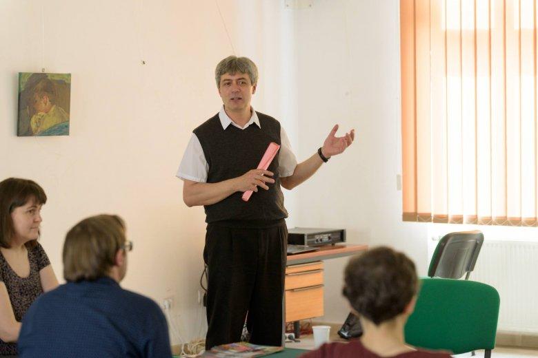 A szó szerinti hűség szellemi hűtlenség – műfordítók kerekasztala a Kolozsvári Ünnepi Könyvhéten