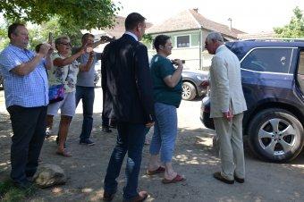 Kistermelőkkel találkozott az erdélyi látogatáson lévő Károly herceg