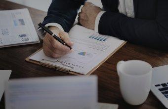 Védelmet jelenthet a bajbajutott cégeknek az időben elindított fizetésképtelenségi eljárás