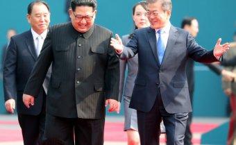Új lap a két Korea történelmében: megtörtént a történelmi csúcstalálkozó