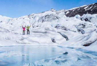 Adománygyűjtés izlandi gleccsersízéssel: kolozsvári sportolók beteg gyerekek táboroztatását segítik