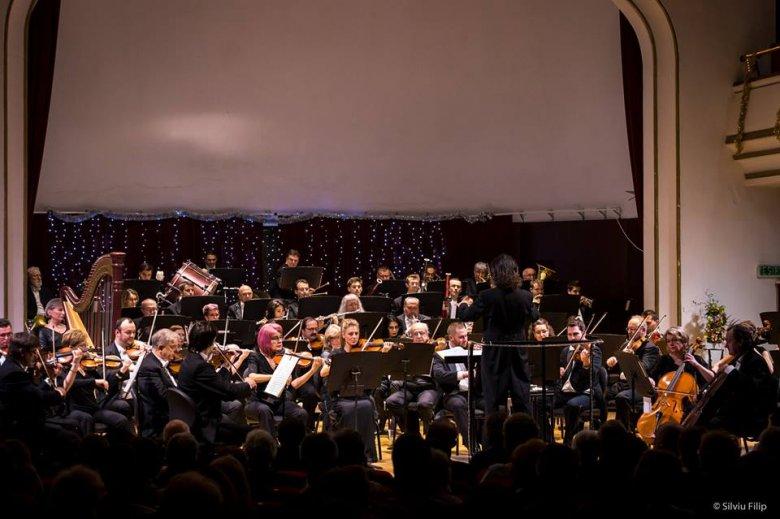 Hangol a váradi filharmónia: gazdag évadot ígérnek a jubiláló zenei intézmény vezetői