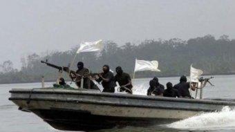 Kiszabadították a kalózok fogságából a Nigéria partjainál szeptemberben elrabolt román tengerészt