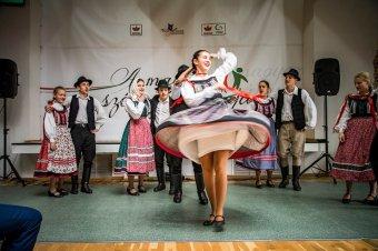 Oktatási alternatívák a végeken – délutáni programokról, bölcsődékről, tankönyvpályázatról értekeztek a magyar szórvány napján