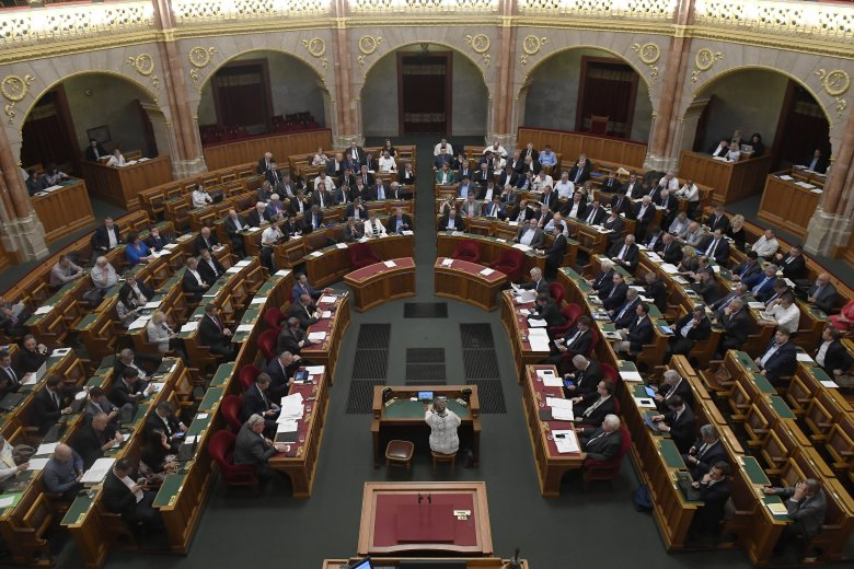 Pánczél Károly: Magyarországnak ki kell állnia az őshonos nemzeti kisebbségek mellett