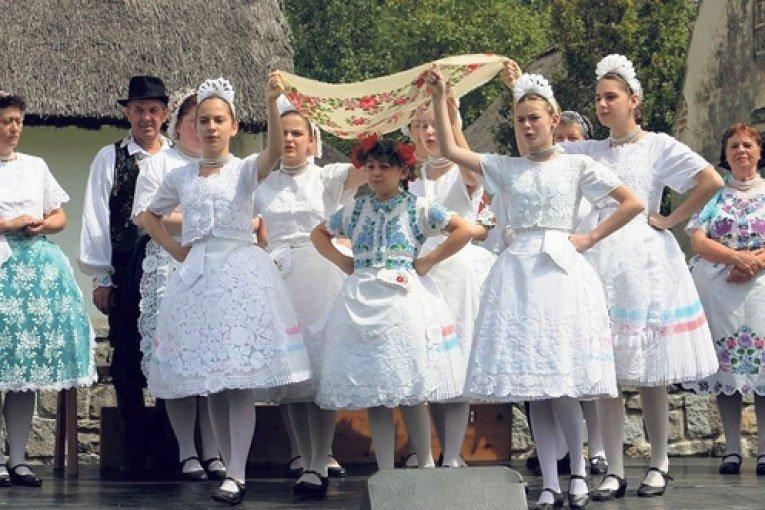 Pünkösdi élő hagyományok, népszokások – tájegységenként változnak az egyik legnagyobb keresztény ünnephez kapcsolódó tradíciók