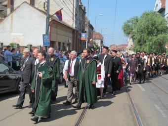 Létkérdés az anyanyelvű felsőoktatás – Elballagtak a Partiumi Keresztény Egyetem végzősei Nagyváradon