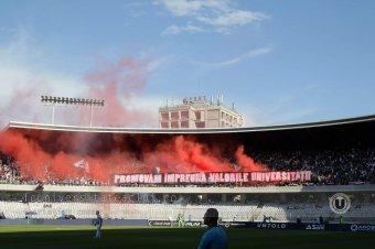 Emberölési kísérlet miatt indult eljárás a csendőrt súlyosan megsebesítő, őrizetbe vett kolozsvári fociultra ellen