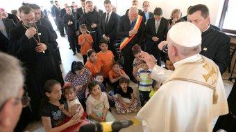 Ferenc pápa bocsánatot kért a romáktól a történelmi diszkrimináció miatt Balázsfalván